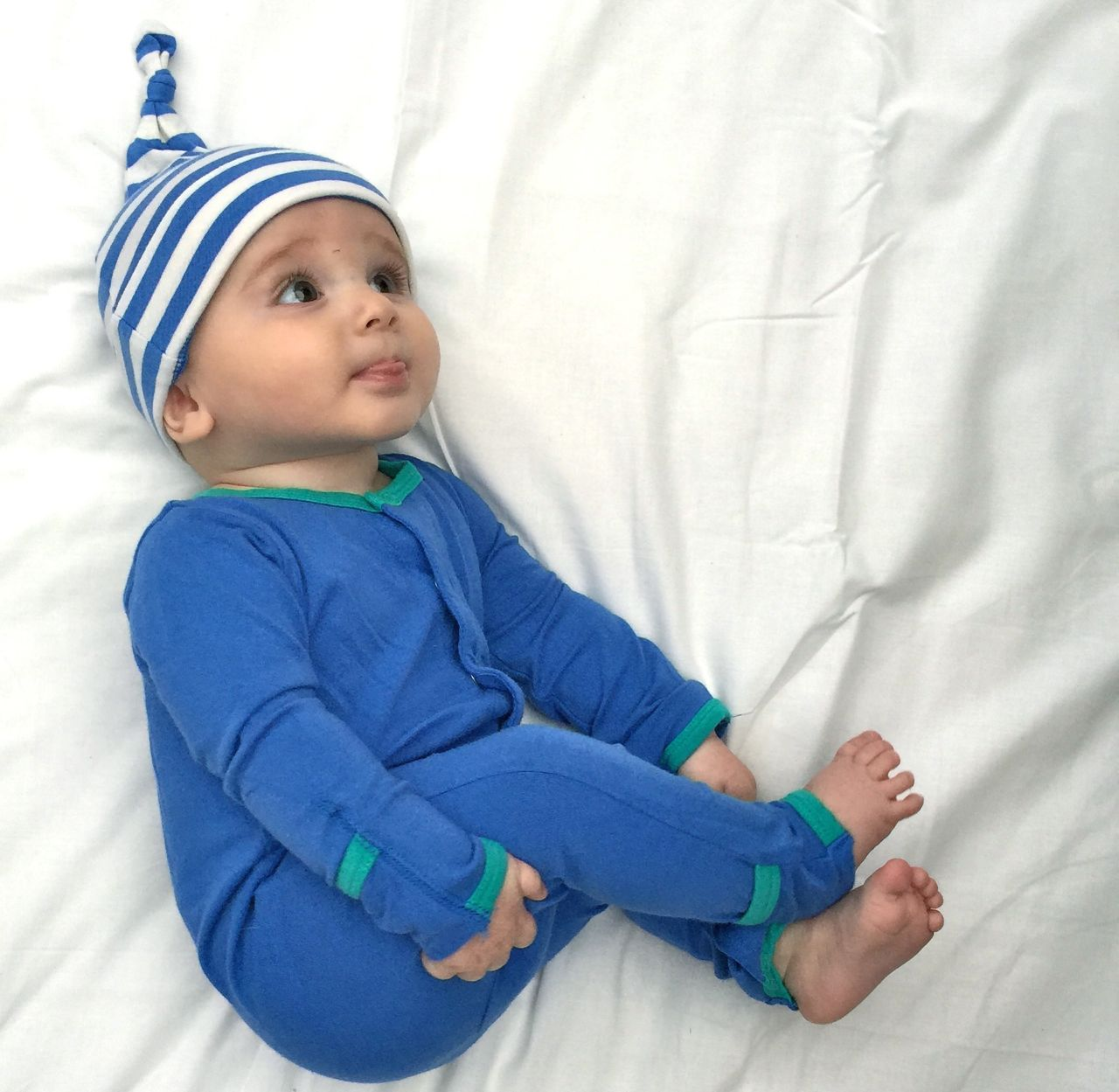 Gift Set 09 – Blanket + Hat + Baby Grow